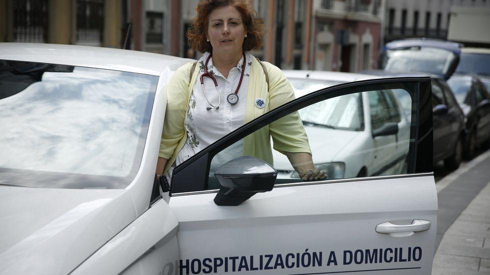 Torre de Hércules.La doctora Leticia Hermida, del servicio de Hospitalización a Domicilio del Chuac