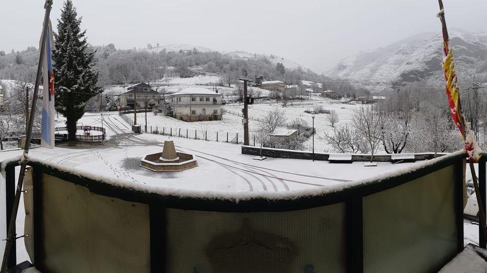 La nevada de esta mañana en Folgoso do Courel