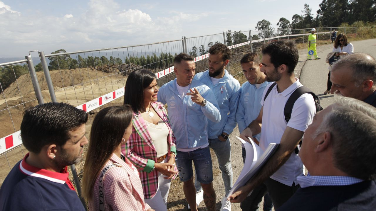 Iago Aspas, Hugo Mallo y Sergio Álvarez visitan la ciudad deportiva