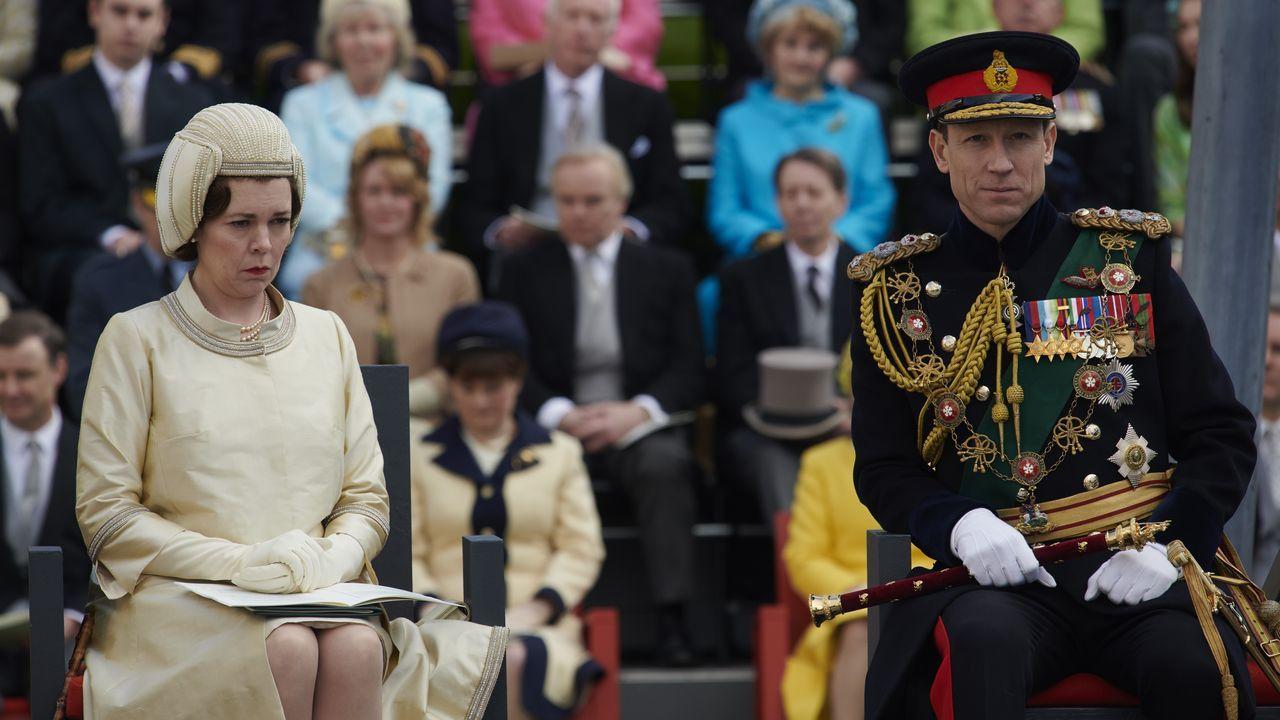 Olivia Colman, como Isabel II, y Tobias Menzies, como Felipe de Edinburgo