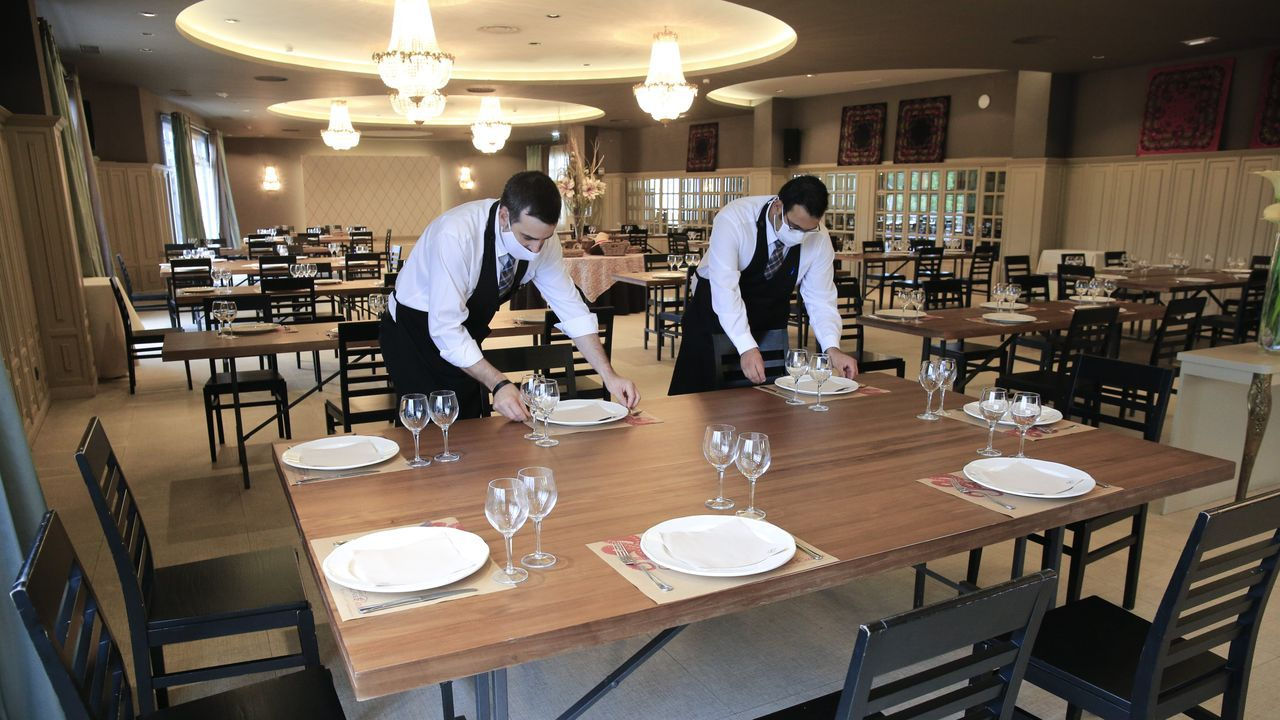 El pregón de San Froilán en imágenes.El Hotel Torre de Núñez tomará el testigo de su caseta en el restaurante