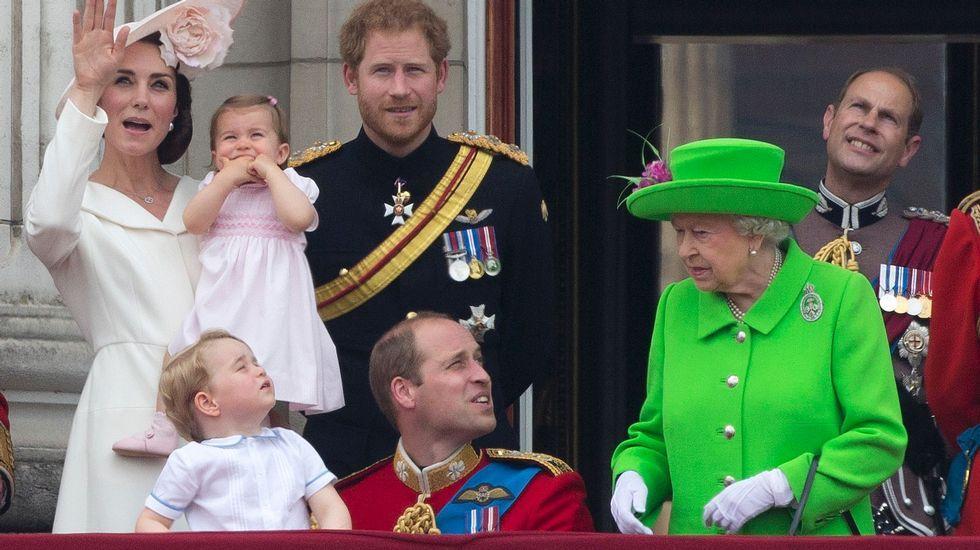 La riña de la reina Isabel de Inglaterra a su nieto.Meghan Markle, en la serie «Suits»