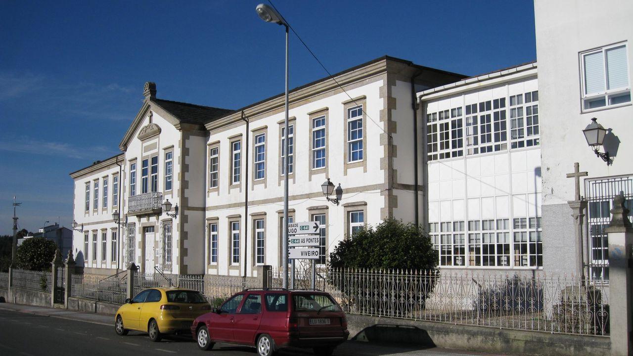 Fachada principal da residencia de persoas maiores de Vilalba