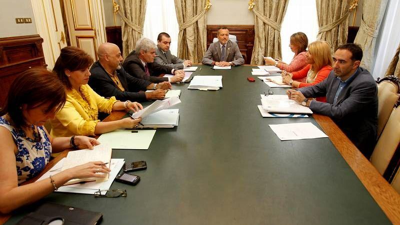 Primera Xunta de Goberno con Hernández como alcalde
