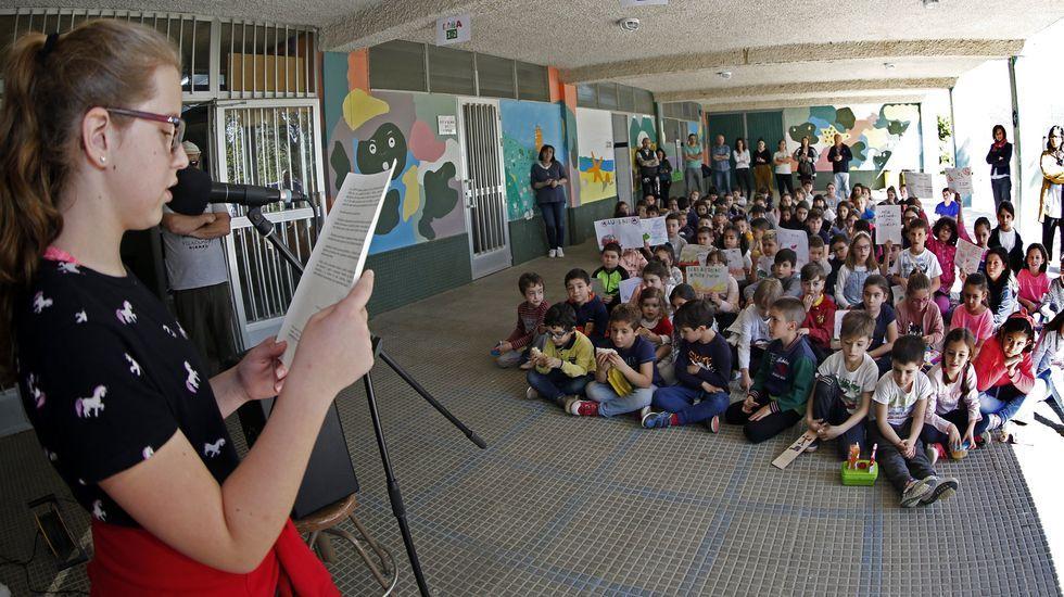 En directo: Sanidade y Educación explican el plan de vacunación de los profesores en Galicia.En marzo del 2019, todos los colegios de Rianxo -en la imagen, el Brea Segade- se unieron en un minuto de silencio contra los incendios forestales que periódicamente suceden en la zona
