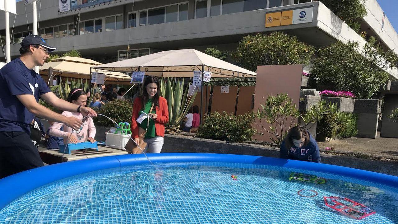 «Ninja Warrior» para coruñeses valientes en el parque de Bens.El Oceanográfico de A Coruña organiza distintos talleres en su jornada de puertas