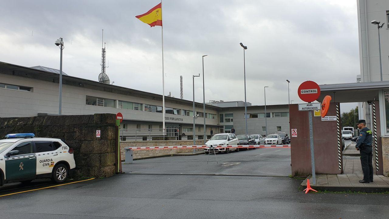 Puerta de entrada a la Comandancia de la Guardia Civil de Pontevedra, donde hay cuatro positivos en coronavirus
