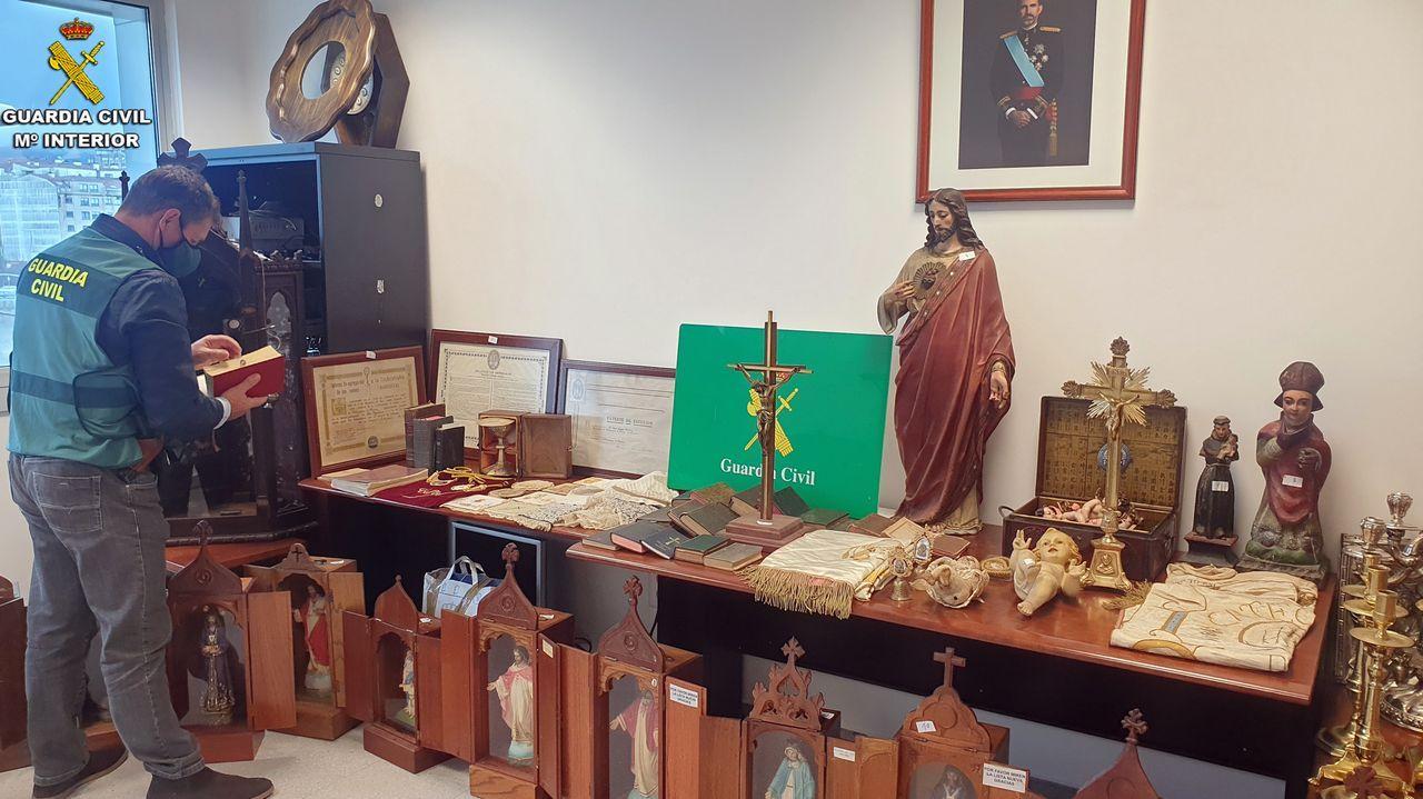 Este era el «botín» del exsacristán de Vilanova.Cribado para el colectivo de profesionales de la Cofradía de Pescadores de Cambados