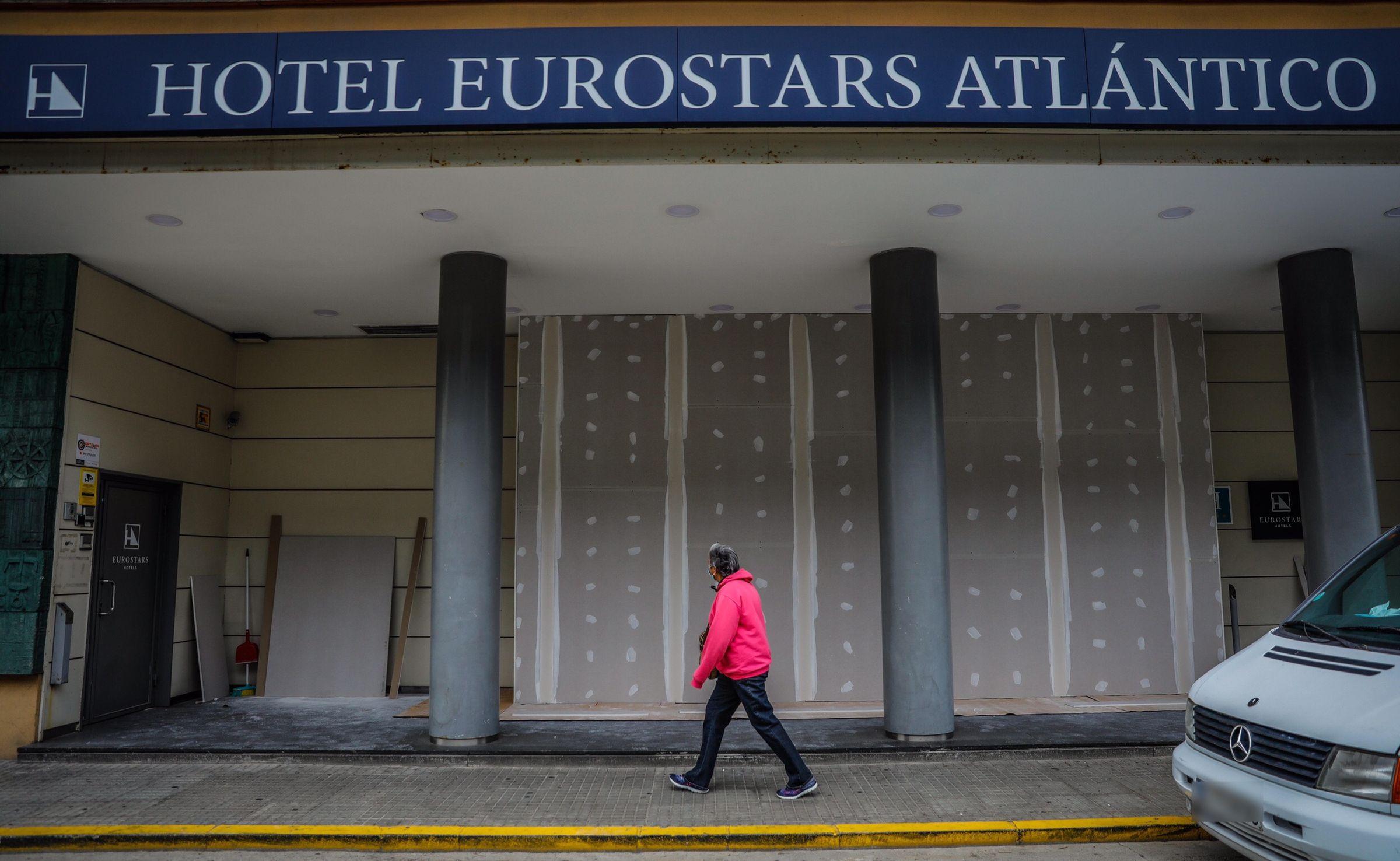 EL HERMANO MAYOR: El Grupo Hotusa rebautizó al NH Atlántico como Eurostars Atlántico cuando se hizo con su concesión municipal en agosto del 2018. Levantado sobre el que un día fue el Atlantic Hotel, de 1923 y derruido en 1967, es el hotel con más habitaciones de la ciudad, 199 en total