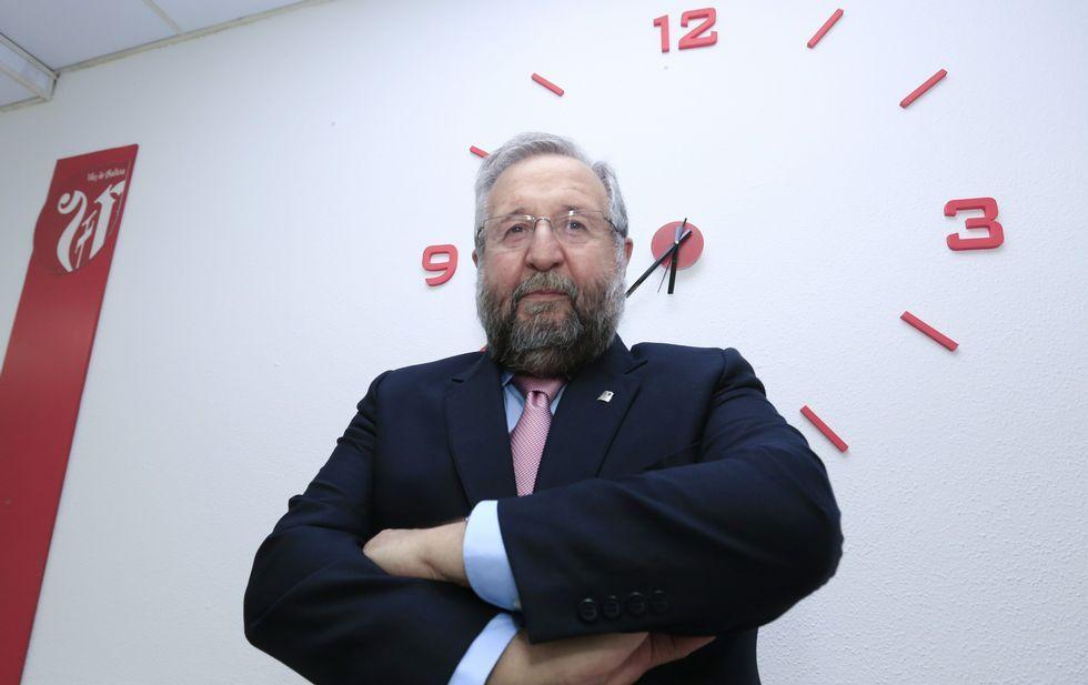 La noche electoral el Lugo.El socialista Orozco cree que aún no ha llegado la hora de colgar las botas en la política local.