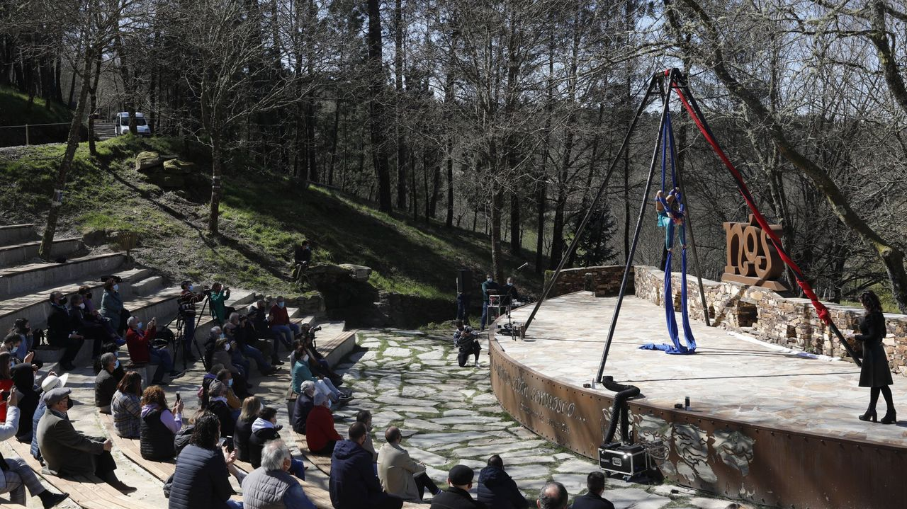 huerta.O Día das Letras Galegas do 2021 festexa a figura e a obra da poeta luguesa Xela Arias (Sarria, 1962-Vigo, 2003)