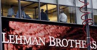 Ejecutivos en la sede de Lehman Brothers en Nueva York, tras el crac de septiembre del 2008