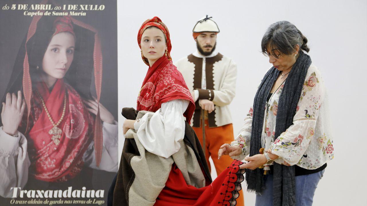 Lugo exhibe a primeira gran mostra do traxe aldeán de gala