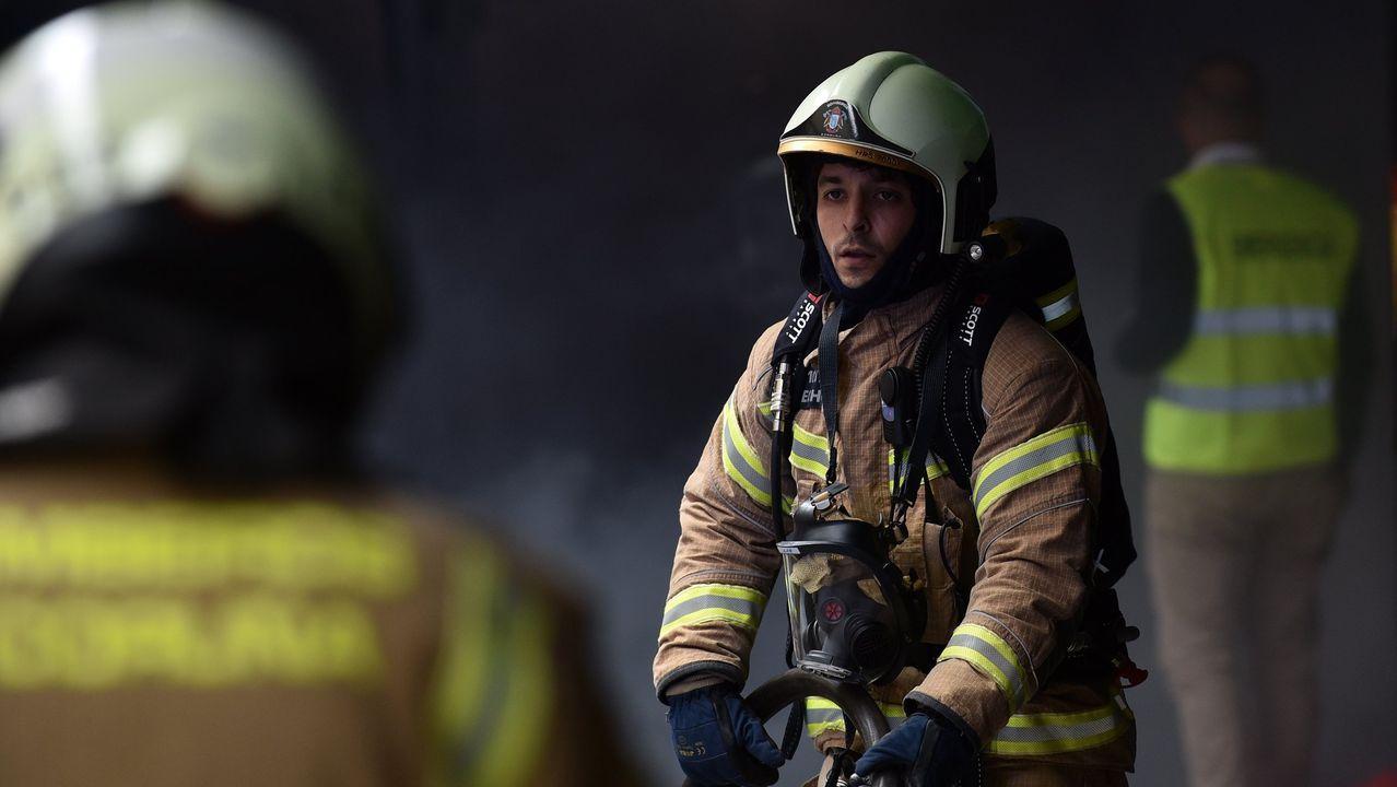 arteixo.imagen de archivo de un simulacro de los bomberos