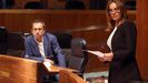 La portavoz de Izquierda Unida (IU), Ángela Vallina, interviene ante la mirada de Ovidio Zapico