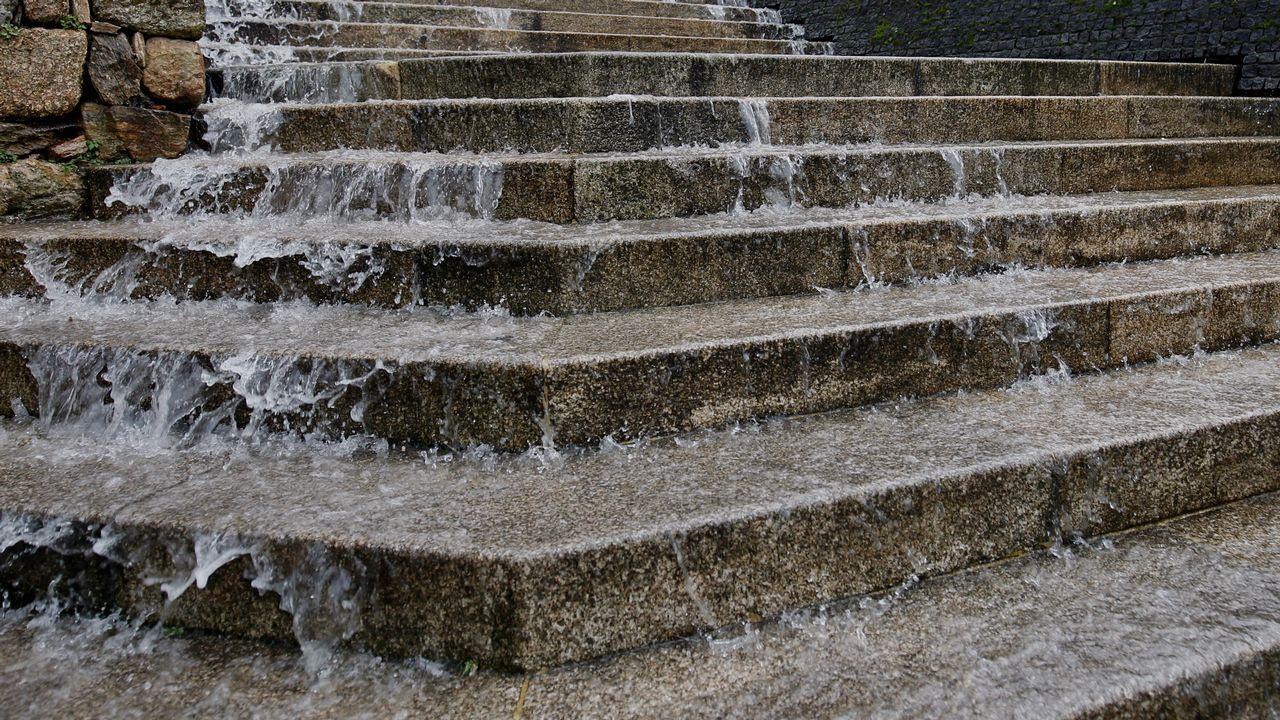 Cascada de agua en San Clemente, en Santiago