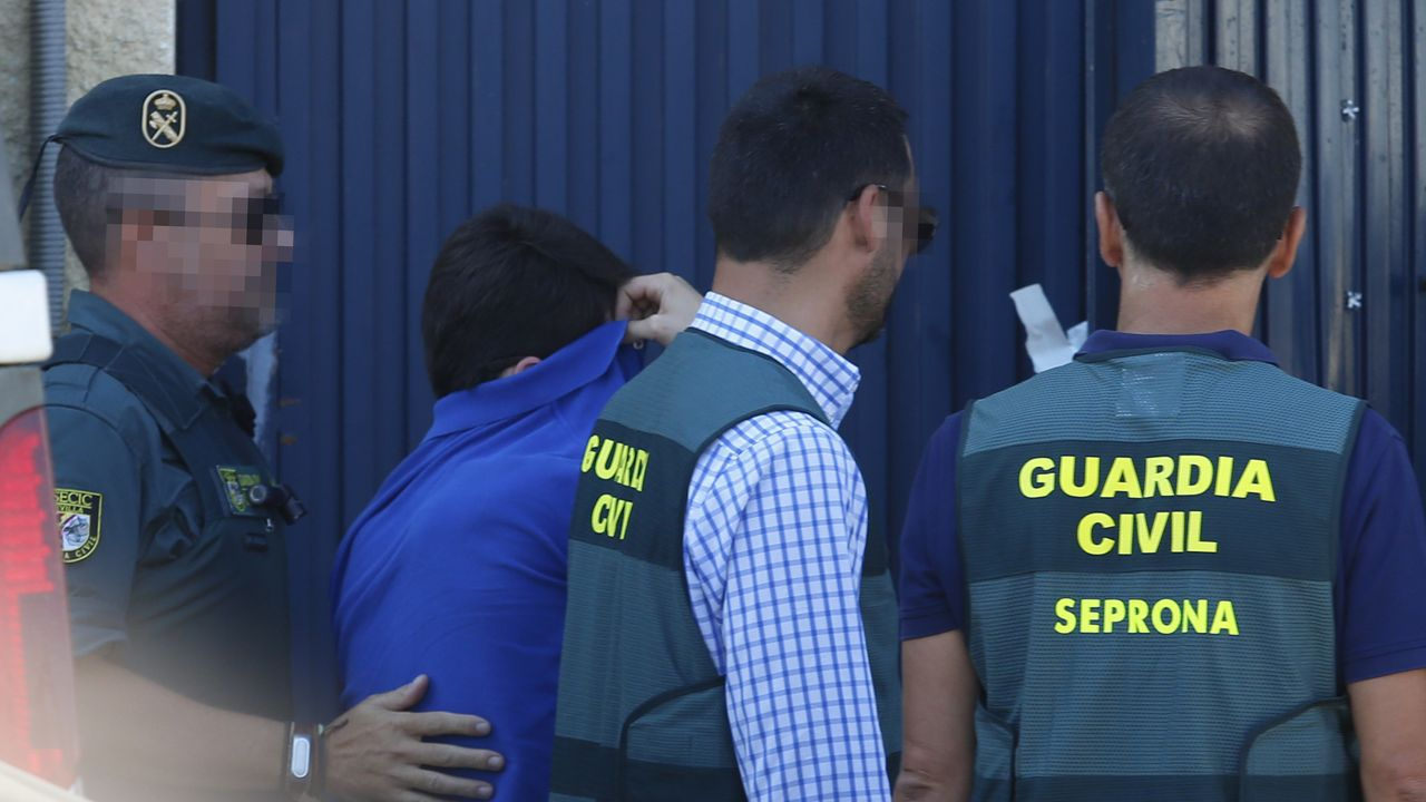 Registro de la Guardia Civil en la nave de Magrudis
