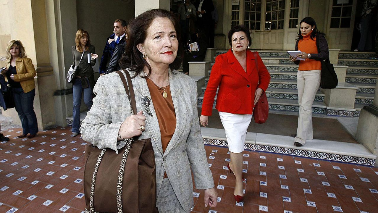 Alicia Hornos, madre de la joven asesinada de Mijas, Rocío Wanninkhof, a la llegada al Palacio de Justicia de Málaga donde se juzgó a Tony King