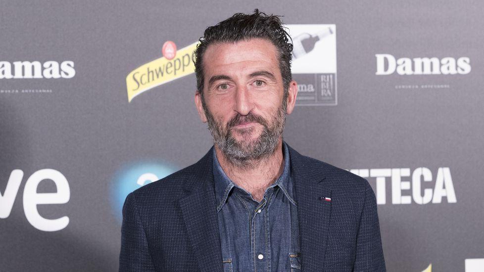 El actor gallego Miguel de Lira recoge su premio en el festival de Aguilar de Campoo, en Palencia