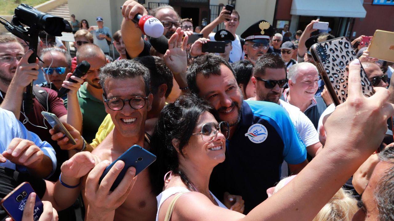Mariano Rajoy: «Viva el vino del Ribeiro».Guiseppe Conte (derecha), estrecha la mano del presidente de la República, Sergio Mattarella, en la sede de la Jefatura del Estado italiano