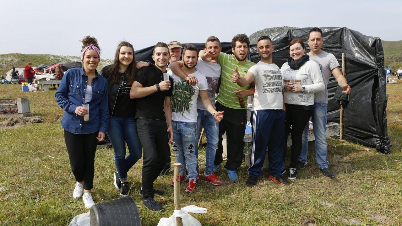 Día do Peñón en Laxe, con su Concurso de Tortilla Doce: ¡imágenes!.Cántigas e Frores