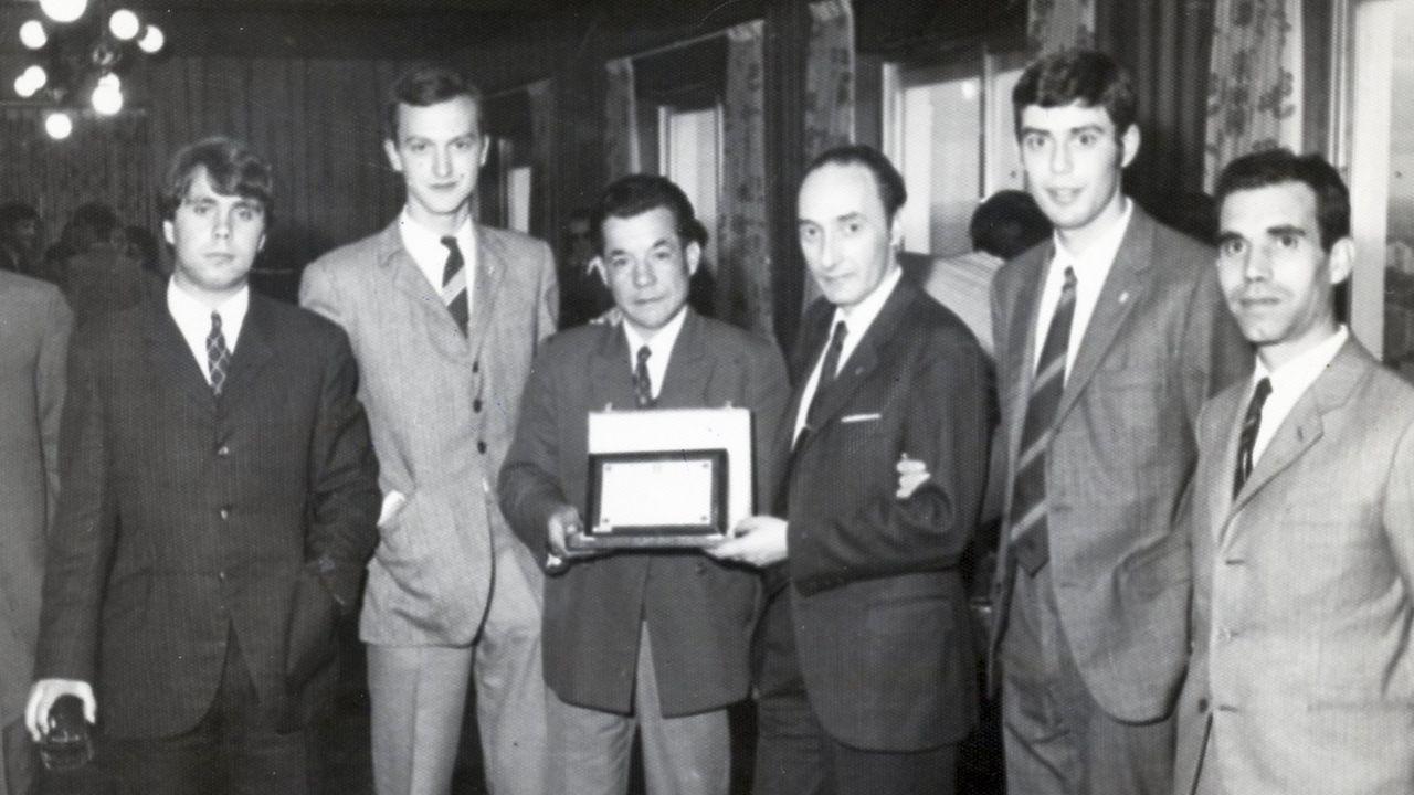 Varela-Portas, tercero por la derecha, en su etapa de directivo breoganista