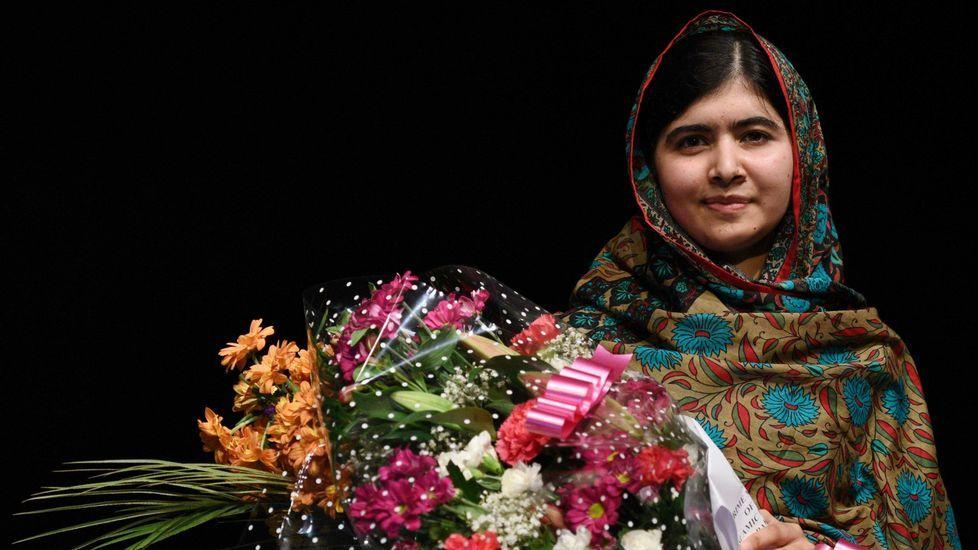 El presidente del Comité de Relaciones Exteriores del Senado, Bob Corker..Malala Yousafzai.