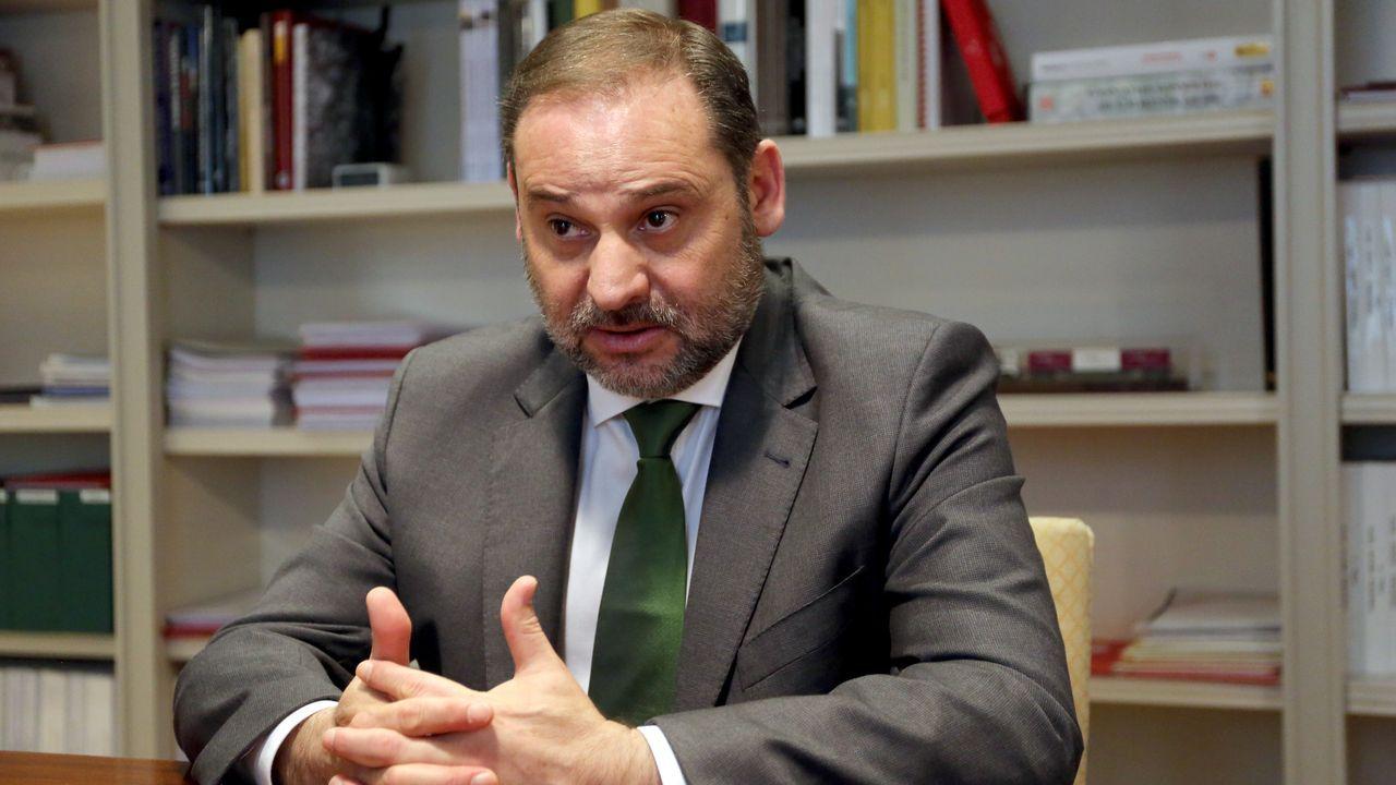 Tráfico, carreteras, señal.José Luis Ábalos, ministro de Transportes