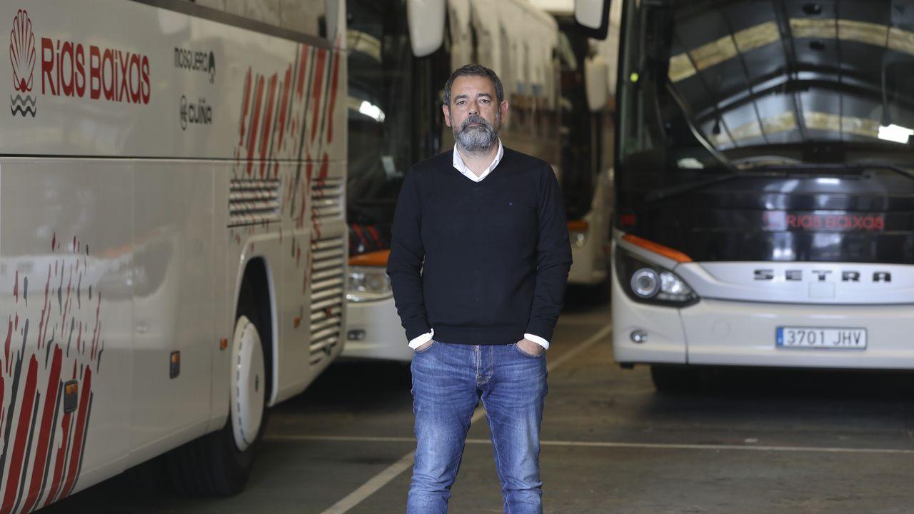José Menéndez, gerente de Autocares Rías Baixas, que tiene casi toda su flota parada