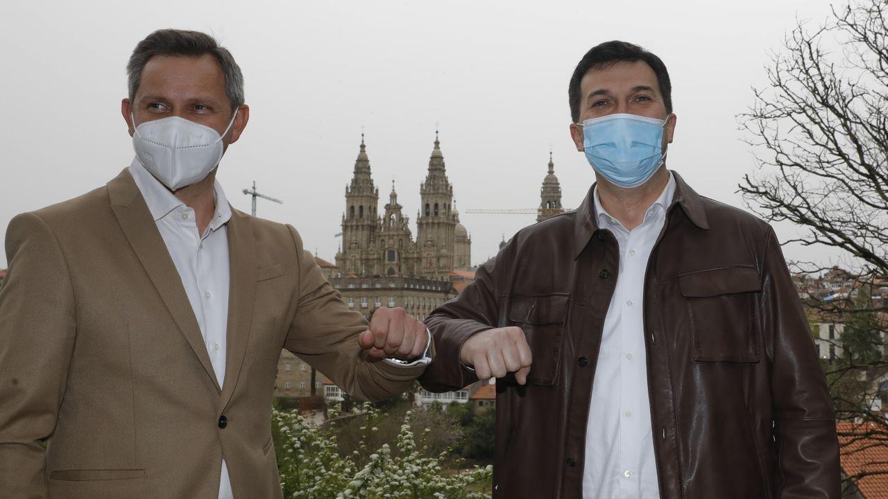 En directo: Comparecencia de Pedro Sánchez tras el Consejo de Ministros.Pablo Iglesias habla con Pedro Sánchez en su último Consejo de Ministros