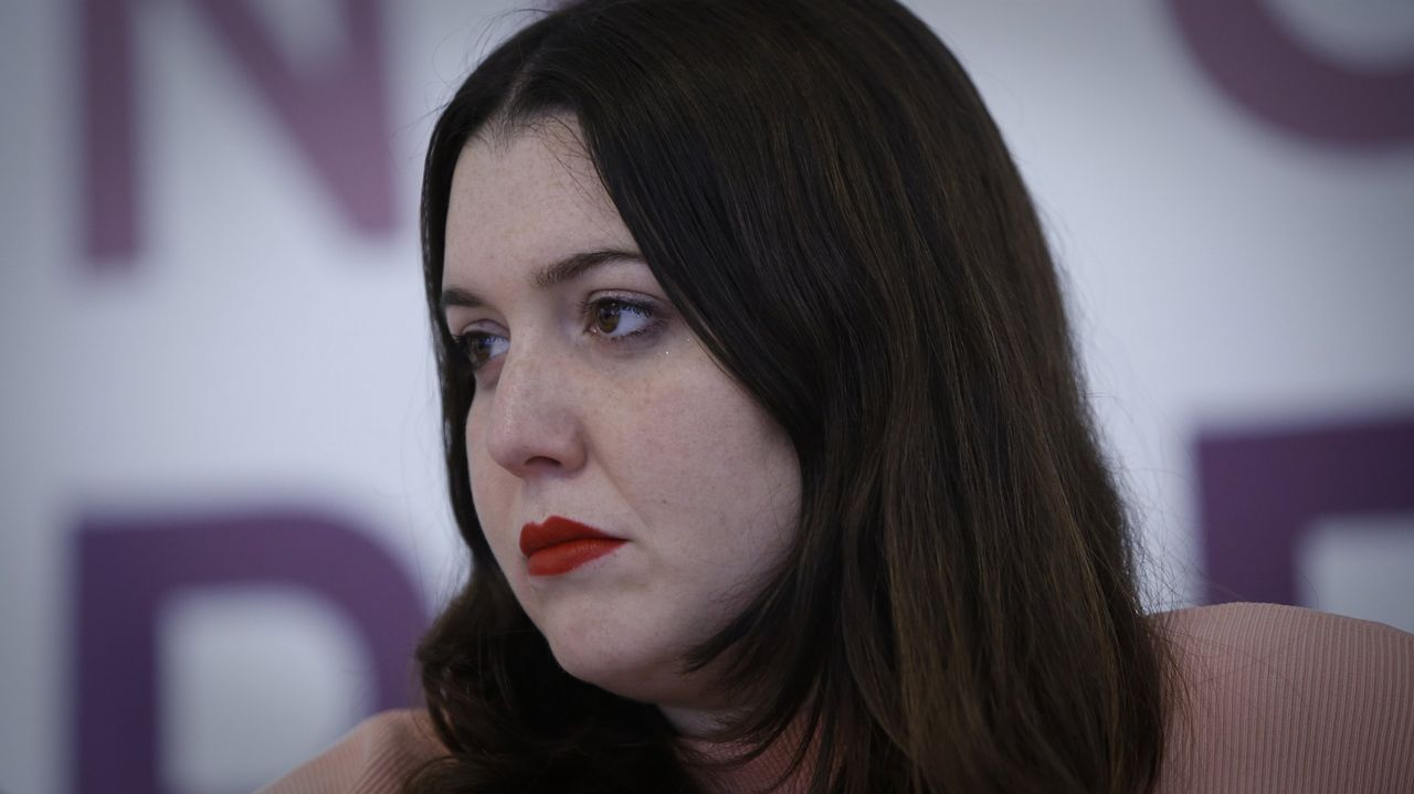 Ánxela Rodríguez (Congreso).Procedente de los movimientos feministas de Podemos, perdió el pulso  contra Carmen Santos por la secretaría gallega del partido en el 2016. Errejonista
