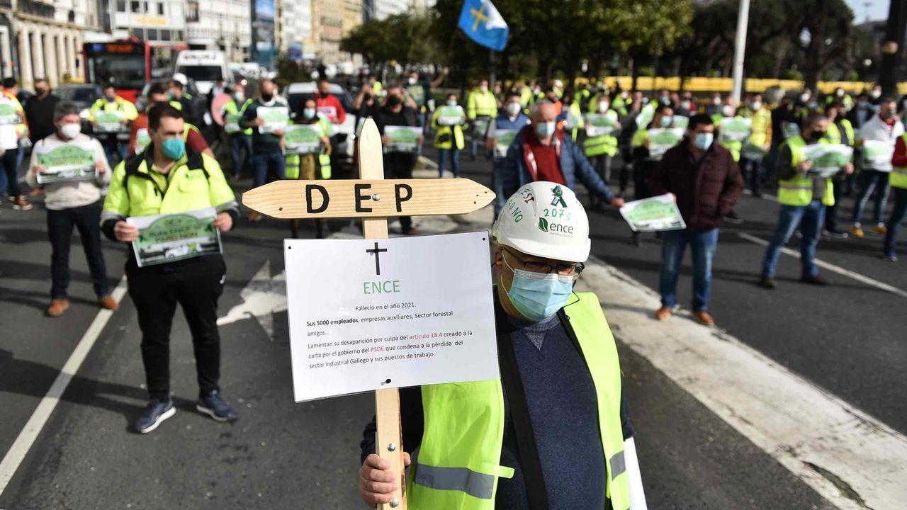 Protesta de trabajadores de Ence en A Coruña