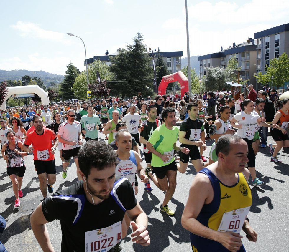 El pelotón popular se apoderó de las calles de O Vinteún en la cita de Correndo por Ourense.