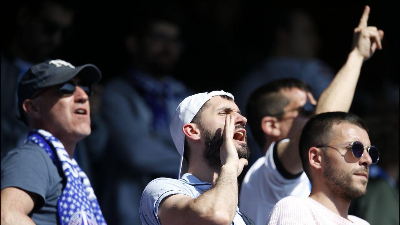 Pelayo Novo Real Oviedo.Pelayo celebra un gol con el Real Oviedo en el Carlos Tartiere