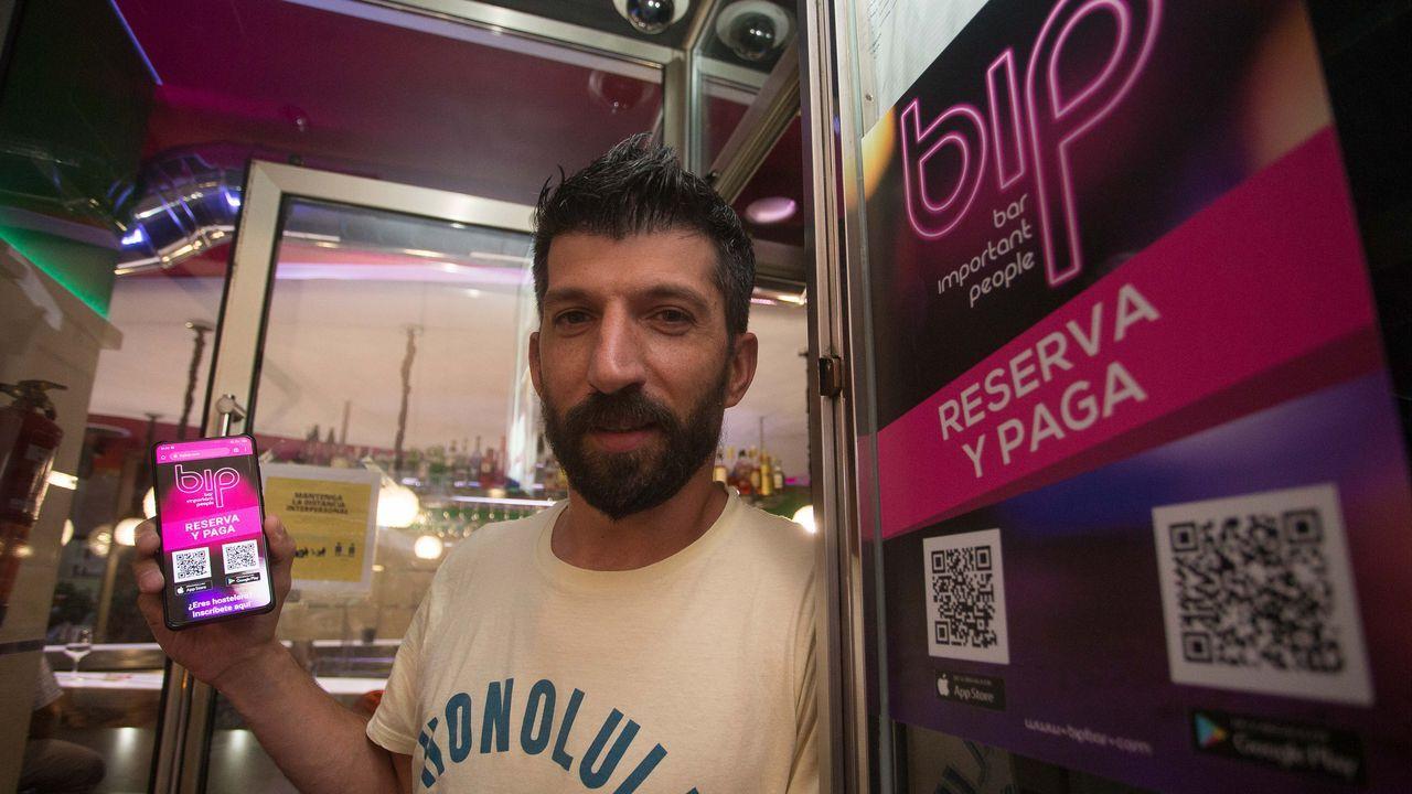 El enfado de Illa: «No lo concibo».Distintos locales de Lugo utilizan una aplicación móvil para controlar la entrada de clientes