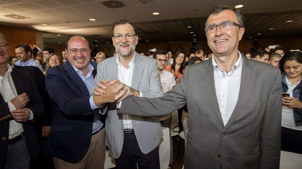 congresospph.Pedro Antonio Sánchez, a la izquierda, junto a Mariano Rajoy y el candidato a la alcaldía de Murcia.