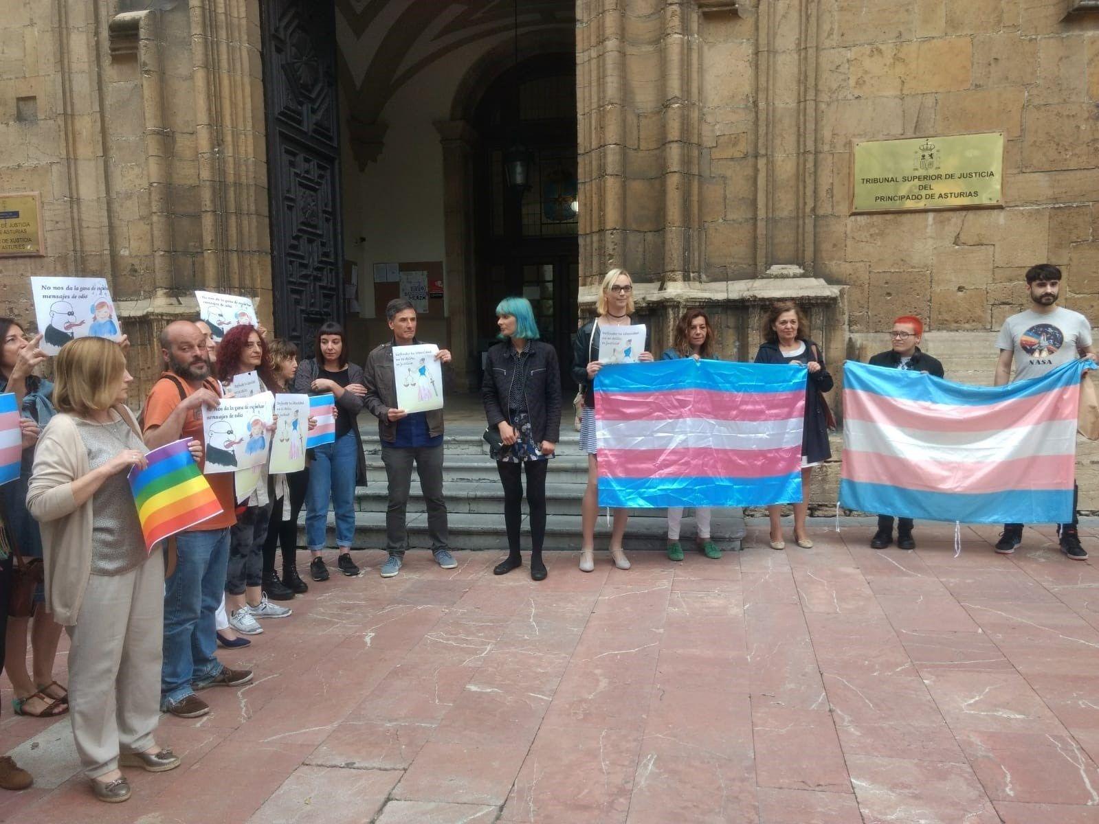 Concentración de apoyo a Berta Rozada