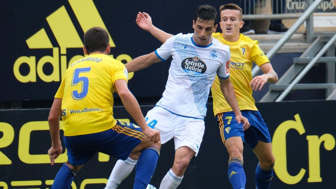 Ortuño celebra su gol ante la Ponferradina