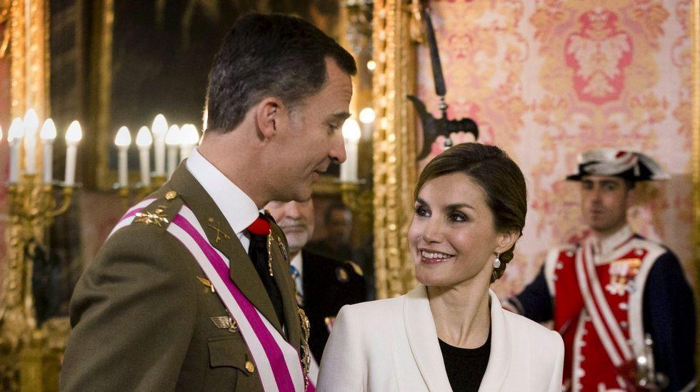 La infanta asegura que era Urdangarín «quien se encargaba de las cuestiones económicas de la familia».El rey y su mujer el día de Reyes