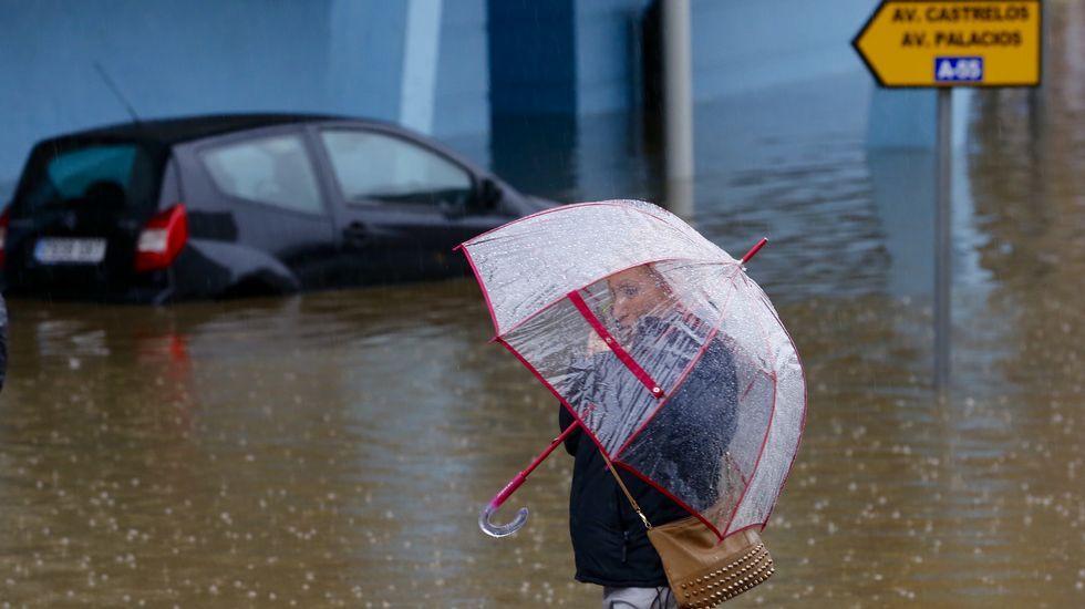Otra imagen de las inundaciones en Vigo esta mañana.