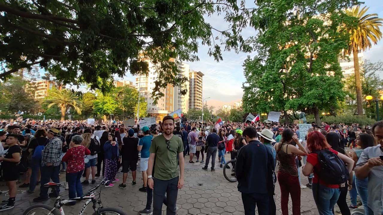 Pablo Cueto, en una de las protestas en Santiago de Chile