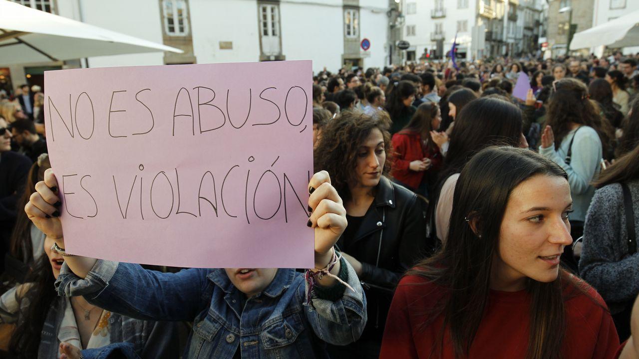 Las causas pendientes de los miembros de La Manada.Manifestación contra la sentencia en el juicio de La Manada en Gijón