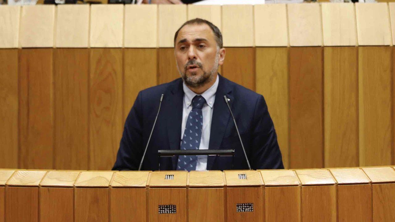 En directo:Comparecencia en el pleno del Parlamento del conselleiro de Sanidade