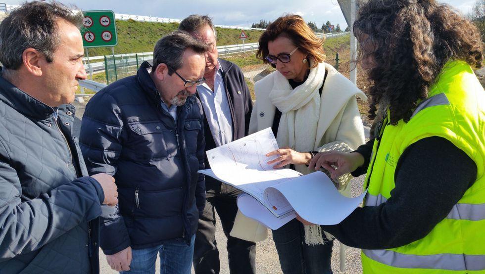El alcalde y la delegada de la Xunta, ayer en Bóveda