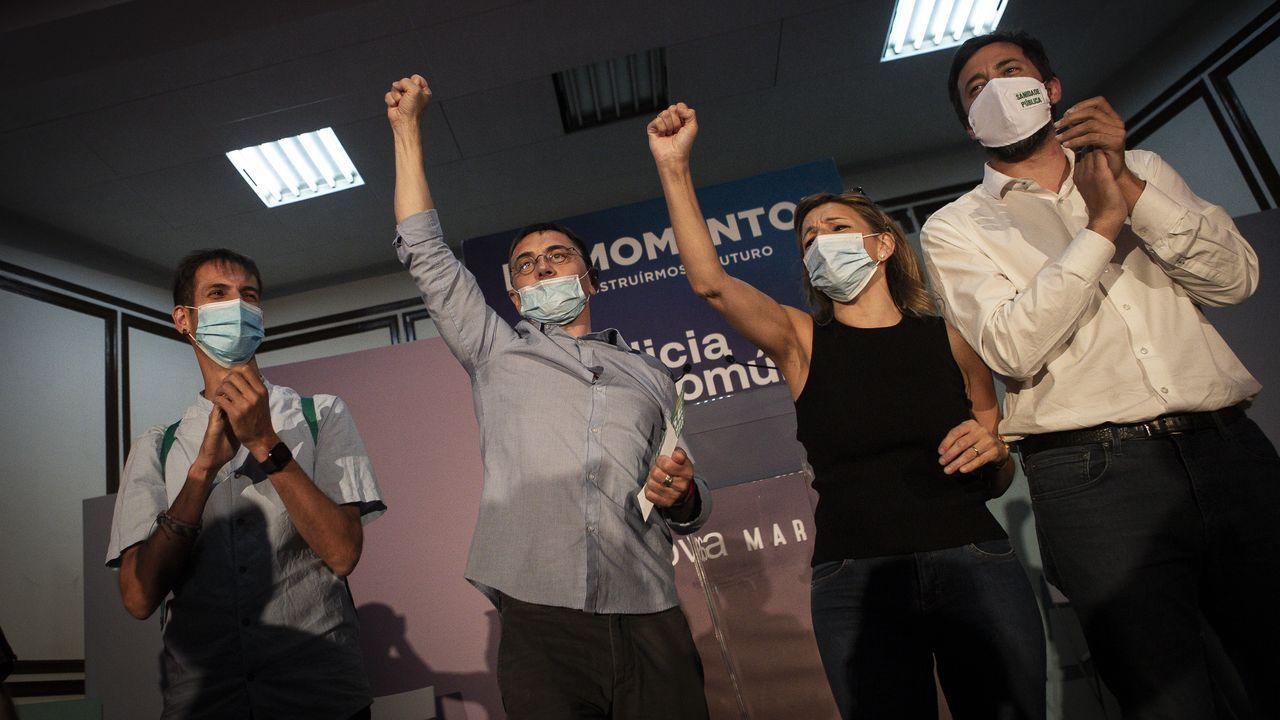 David Bruzos, a la izquierda, logró 4 votos en Vilar de Santos, en donde su partido, durante las anteriores autonómicas, consiguió quedar como primera fuerza