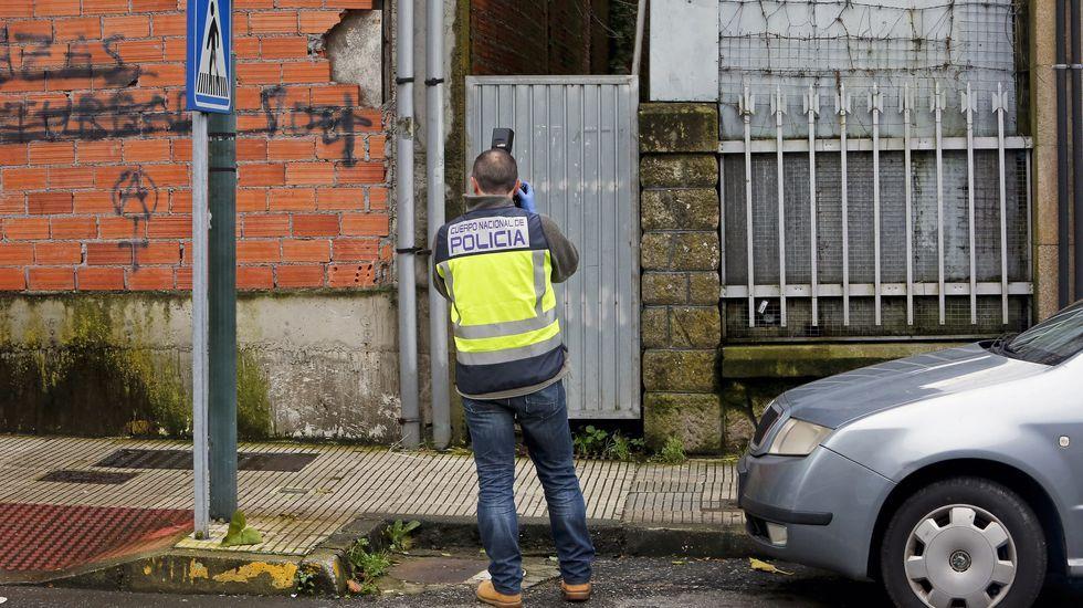 Asalto a la vivienda del armador Manuel Nores. Los ladrones accedieron por una ventana de la casa saltando a un callejón desde una casa en obras