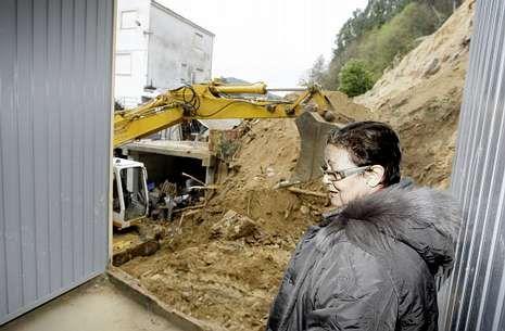 Jérica Gacio, propietaria de la panadería, en la zona trasera de su casa y obrador.