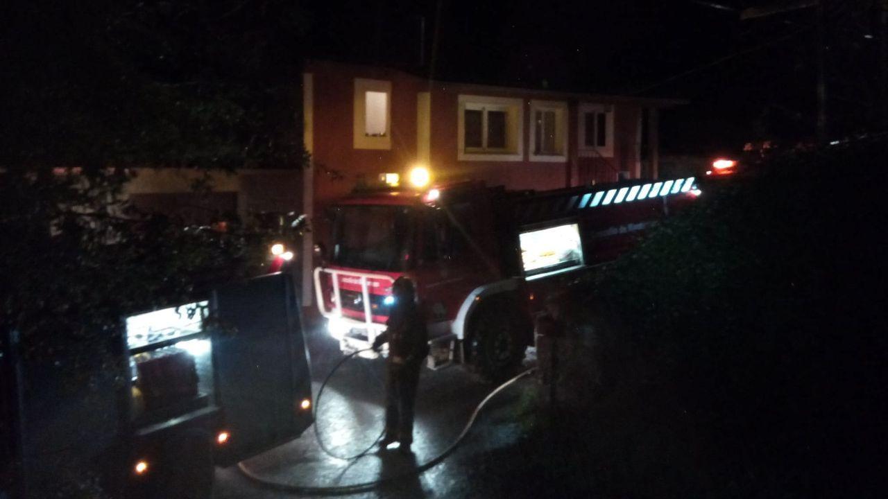 El incendio se originó en la chimenea de una vivienda del lugar de Arxiz