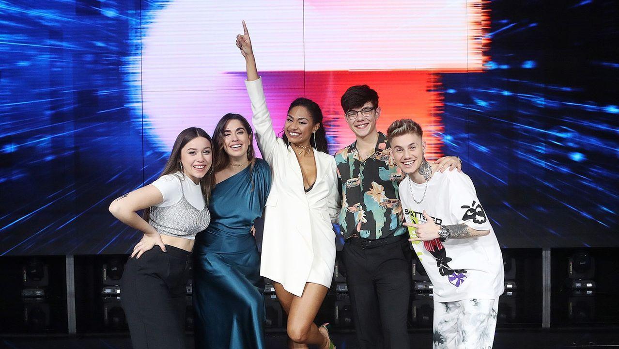 La gala final de «OT 2020», en fotos.Eva Barreiro (a la izquierda), junto al resto de los finalistas, Anaju, Nia, Flavio y Hugo