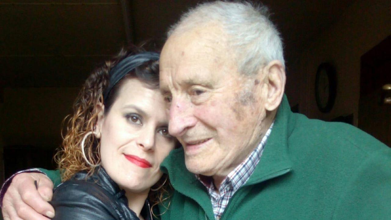 Feijoo: «Abril va a ser peor que marzo».Yolanda junto a su abuelo Carmelo